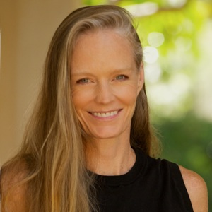 Suzy Amis Cameron Biography, Age, Height, Weight, Family, Wiki & More