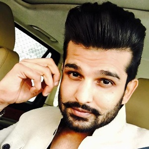 Yuvraj Hans Biography, Age, Wife, Children, Family, Caste, Wiki & More