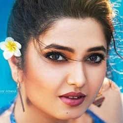 Prajakta Mali (Actress) Biography, Age, Height, Weight, Boyfriend, Family, Facts, Wiki & More