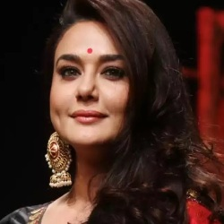 Preity Zinta Biography, Age, Husband, Children, Family, Caste, Wiki & More