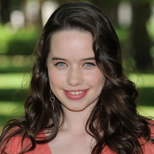 Anna Popplewell Biography, Age, Height, Weight, Family, Wiki & More
