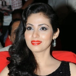 Sadha (Indian Film Actress) Biography, Age, Height, Weight, Boyfriend, Family, Wiki & More