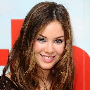 Roxanne McKee Biography, Age, Height, Weight, Family, Wiki & More
