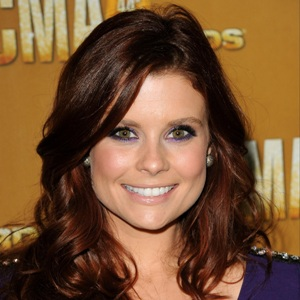 JoAnna Garcia Biography, Age, Height, Weight, Family, Wiki & More