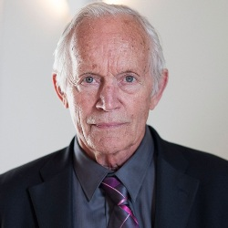 Lance Henriksen Biography, Age, Height, Weight, Family, Wiki & More