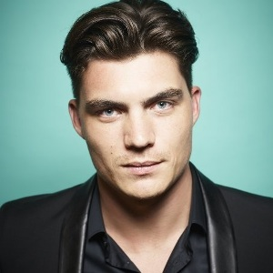 Zane Holtz Biography, Age, Height, Weight, Family, Wiki & More