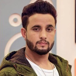 R. Nait (Punjabi Singer) Biography, Age, Height, Weight, Girlfriend, Family, Wiki & More