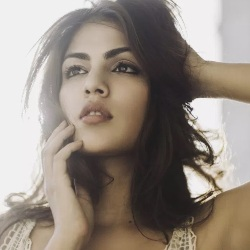 Rhea Chakraborty Biography, Age, Height, Boyfriend, Family, Facts, Caste, Wiki & More