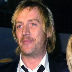 Rhys Ifans Biography, Age, Height, Weight, Family, Wiki & More
