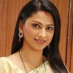 Rucha Hasabnis Biography, Age, Height, Weight, Family, Caste, Wiki & More