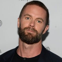 Garret Dillahunt Biography, Age, Height, Weight, Family, Wiki & More