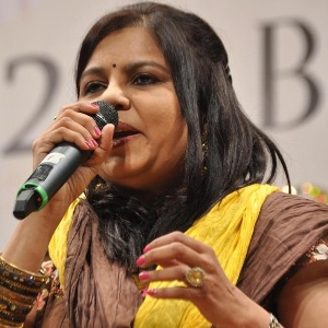 Sadhana Sargam Biography, Age, Husband, Children, Family, Caste, Wiki & More