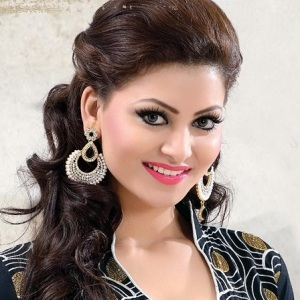 Urvashi Rautela Biography, Age, Height, Weight, Boyfriend, Family, Wiki & More