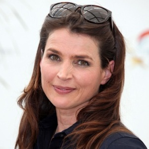 Julia Ormond Biography, Age, Height, Weight, Family, Wiki & More