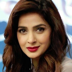 Saba Qamar Biography, Age, Height, Weight, Family, Wiki & More