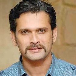 Sameer Dharmadhikari Biography, Age, Wife, Children, Family, Caste, Wiki & More