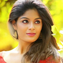 Samyuktha Menon Biography, Age, Height, Weight, Boyfriend, Family, Wiki & More