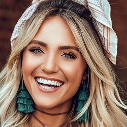 Savannah LaBrant Biography, Age, Height, Weight, Family, Wiki & More