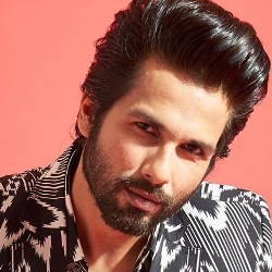 Shahid Kapoor Biography, Age, Wife, Children, Family, Caste, Wiki & More