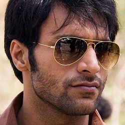 Shaleen Malhotra Biography, Age, Wife, Children, Family, Caste, Wiki & More