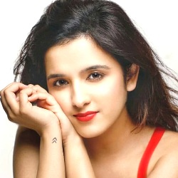 Shirley Setia (Singer) Biography, Age, Height, Weight, Boyfriend, Family, Wiki & More