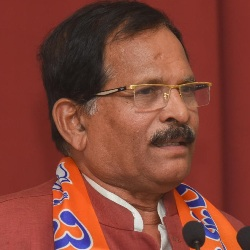 Shripad Naik Biography, Age, Height, Wife, Children, Family, Facts, Caste, Wiki & More