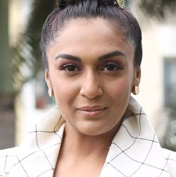 Shweta Salve Biography, Age, Husband, Children, Family, Caste, Wiki & More