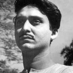 Soumitra Chatterjee Biography, Age, Height, Weight, Family, Caste, Wiki & More