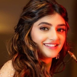 Sreeleela (Actress) Wiki, Age, Biography, Height, Weight, Boyfriend, Family, Facts, Caste & More