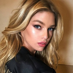 Stella Maxwell Biography, Age, Height, Weight, Family, Wiki & More