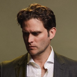 Steven Pasquale Biography, Age, Height, Weight, Family, Wiki & More