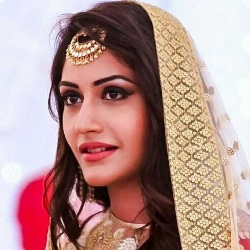Surbhi Chandna Biography, Age, Height, Weight, Boyfriend, Family, Caste, Wiki & More