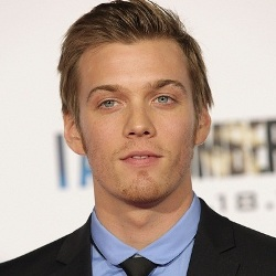 Jake Abel Biography, Age, Height, Weight, Family, Wiki & More