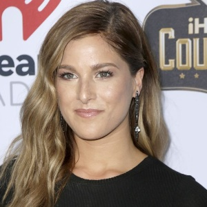 Cassadee Pope Biography, Age, Height, Weight, Family, Wiki & More