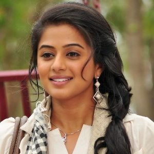 Priyamani (Actress) Bio, Age, Height, Weight, Husband, Family, Caste, Wiki & More