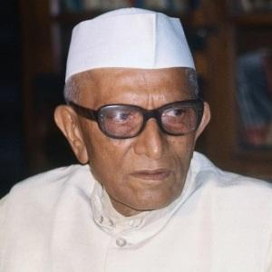 Morarji Desai Biography, Age, Death, Height, Weight, Family, Caste, Wiki & More