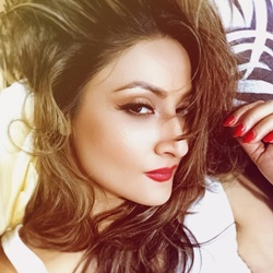 Urvashi Dholakia Biography, Age, Husband, Children, Family, Caste, Wiki & More