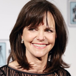 Sally Field Biography, Age, Height, Weight, Family, Wiki & More