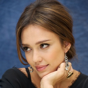 Jessica Alba Biography, Age, Height, Weight, Family, Wiki & More