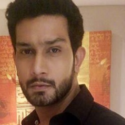 Vineet Kumar Chaudhary Biography, Age, Wife, Children, Family, Caste, Wiki & More