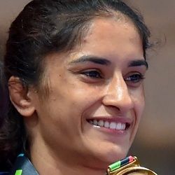 Vinesh Phogat Biography, Age, Husband, Children, Family, Caste, Wiki & More