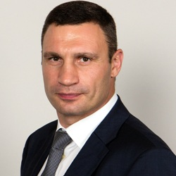Vitali Klitschko Biography, Age, Height, Weight, Family, Wiki & More
