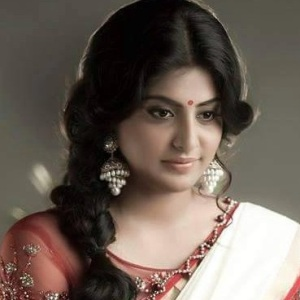 Manjima Mohan Biography, Age, Height, Weight, Boyfriend, Family, Wiki & More