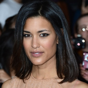 Julia Jones Biography, Age, Height, Weight, Family, Wiki & More