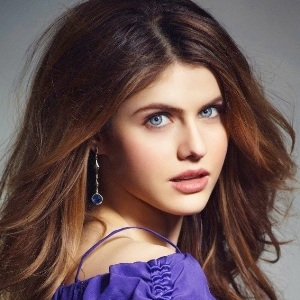 Alexandra Daddario Biography, Age, Height, Weight, Family, Wiki & More