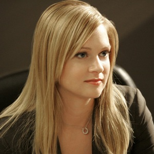 A. J. Cook Biography, Age, Height, Weight, Family, Wiki & More