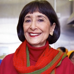 Madhur Jaffrey Biography, Age, Height, Weight, Family, Caste, Wiki & More