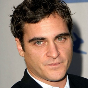Joaquin Phoenix Biography, Age, Height, Weight, Girlfriend, Family, Wiki & More
