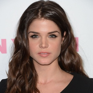 Marie Avgeropoulos Biography, Age, Height, Weight, Family, Wiki & More