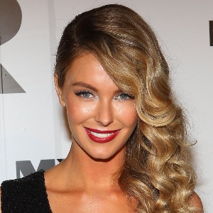 Jennifer Hawkins Biography, Age, Height, Weight, Family, Wiki & More